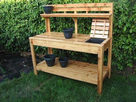 pallet garden work bench 333 best images about pallet potting bench on pinterest