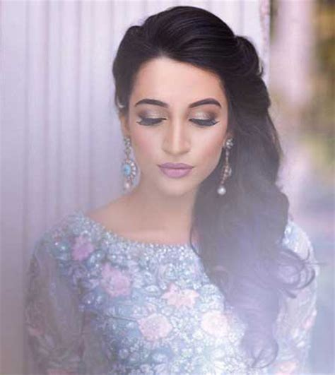 indian hairstyles with curls indian wedding hairstyles for indian brides up dos