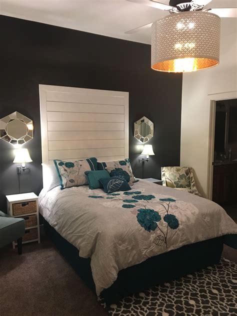 shiplap queen bed easy diy shiplap headboard queen bed master retreat in