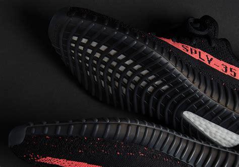Sepatu Adidas Yeezy Boost 350 V2 yeezy boost 350 v2 black by9612 sneakernews