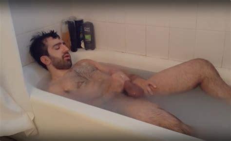 Rabe Parrud O E Gostoso Compartilha Banho Delicioso Com A Cam