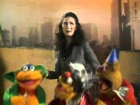 christopher reeve muppet show youtube the muppet show s4 e19 p3 3 lynda carter youtube
