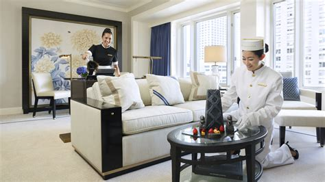 room service chicago 5 luxury chicago hotels the peninsula chicago