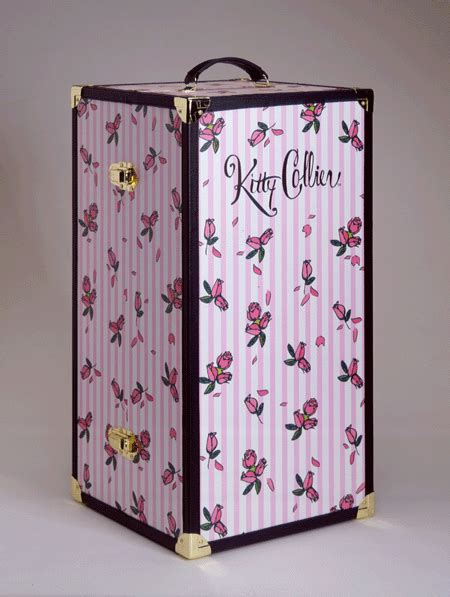 Doll Wardrobe Trunk by Collier Accessories Tonner Doll Company