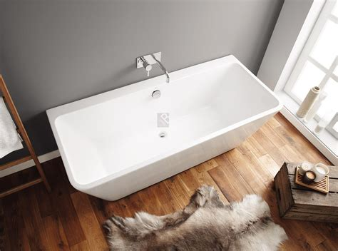 freestanding baths manufactured from acrylic