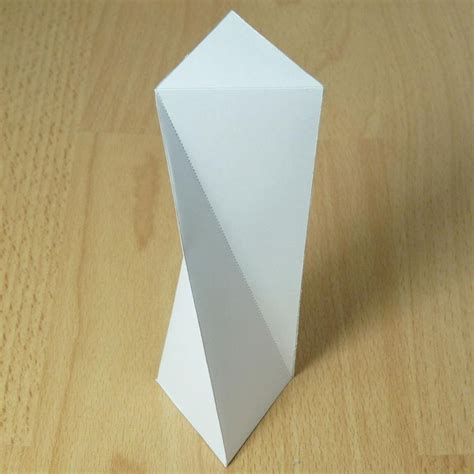 Origami Triangular Prism - twisted triangular prism paper model with