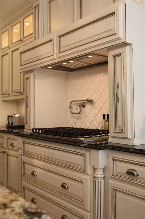 vintage kitchen backsplash 25 antique white kitchen cabinets ideas that your