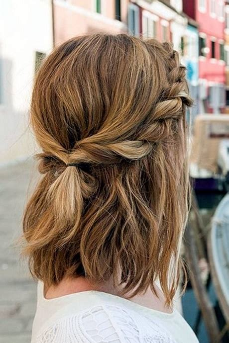 ways to wear shoulder length hair up best way to style medium length hair