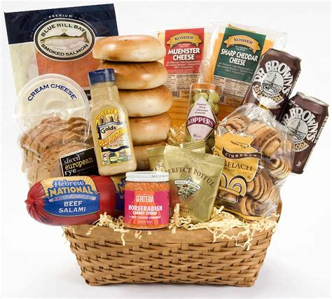 jewish gift baskets enormous kosher deli deluxe gift basket