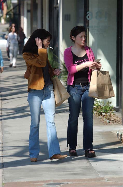 Lara Flynn Boyle Reportedly Weds by Lara Flynn Boyle Marla Sokoloff Photos Photos Lara Flynn