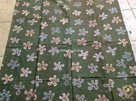 Batik Tulis Warna Alam Motif Daun jual kain batik tulis warna alam floral bunga tropis hijau