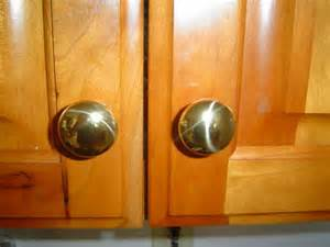 door knobs kitchen cabinets door knobs kitchen cabinets cabinet door knobs