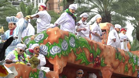 throwing in new orleans new orleans la march 2 mardi gras float throwing