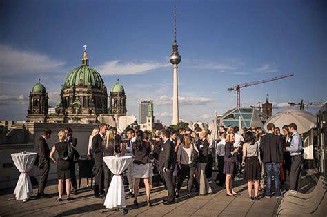 berliner bank karriere mit bertelsmann die eigene karriere starten gr 252 nderszene