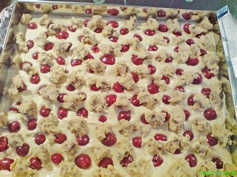 rezept kuchen mit kirschen jockels cookie kuchen mit kirschen rezept mit bild