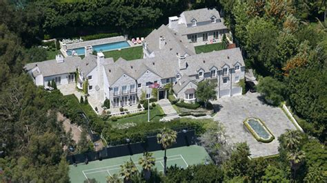 Tom Buys A Mansion by Billionaire Black Buys Tom Cruise S Beverly