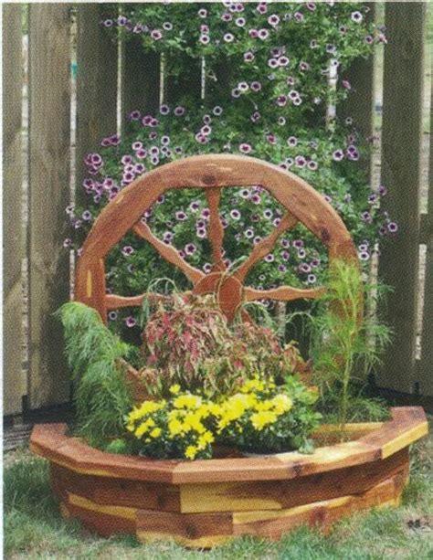 Amish Wooden Wagon Wheel Garden Planter Flower Box Yard Wagon Wheel Planter