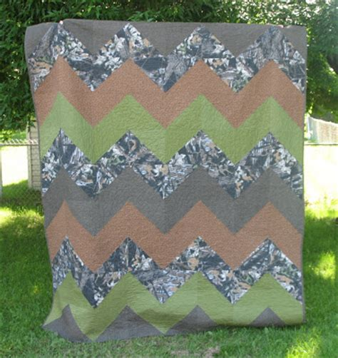 Camo Patchwork Quilt - creative camoflauge zig zag quilt for my hubby