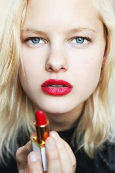 blonde girl with red lipstick beauty bits on pinterest short blonde red lipsticks and