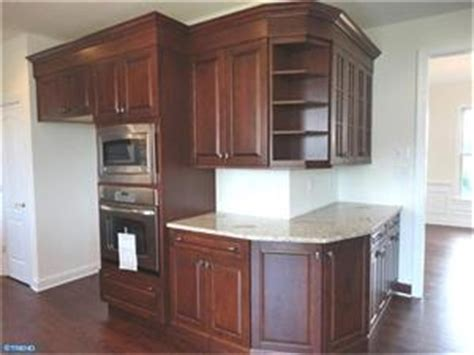 Wrap Around Kitchen Cabinets by 11 Best Images About Wrap Around Cabinets On