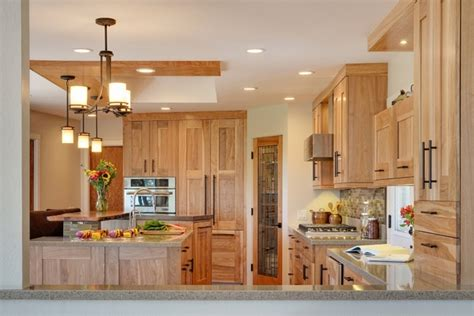 Kitchen Color Ideas With Light Wood Cabinets 33 Best Ideas Hickory Cabinets For Naturally Beautiful Kitchen