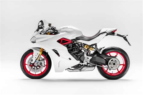 Motorrad Supersport by 2017 Ducati Supersport And Supersport S Preview