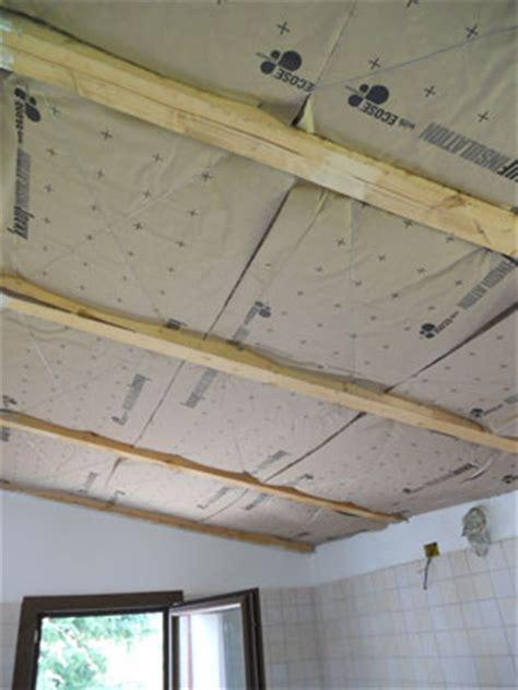 come si fa un controsoffitto come isolare il controsoffitto in legno con la di vetro