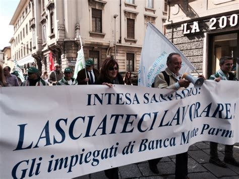 monte parma sede monte parma protesta dei dipendenti 1 di 18
