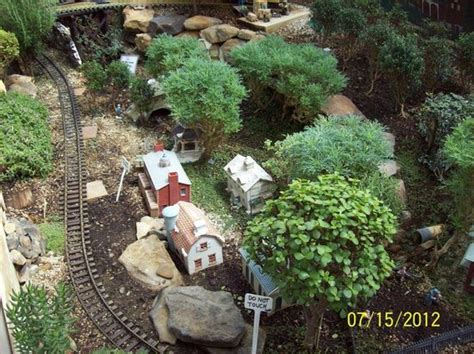 Lil More Of The Train Display アライアンス Beech Creek Beech Creek Botanical Gardens