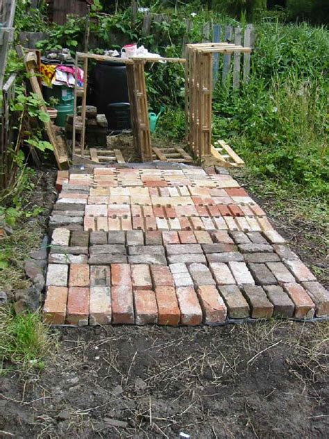 Backyard Shed Foundation by Build A Garden Shed Base Tips To Consider Shed Diy Plans