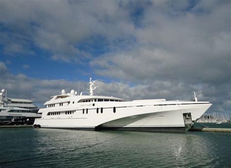 trimaran white rabbit yacht white rabbit echo a north west bay superyacht