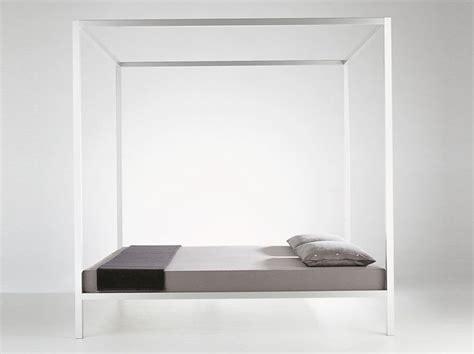 da letto con baldacchino 1000 idee su da letto con baldacchino su