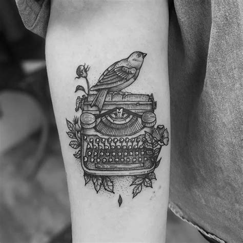 typewriter tattoo typewriter font finger www imgkid the image
