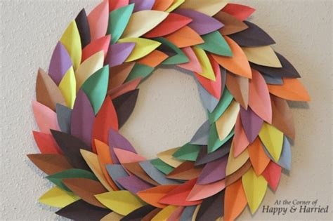 Paper Wreath Craft - 7 creative wreaths to add color to your home room
