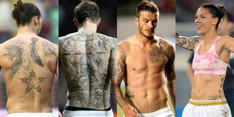 tato di kaki mesi deretan pesepakbola top yang memiliki hobi men tattoo