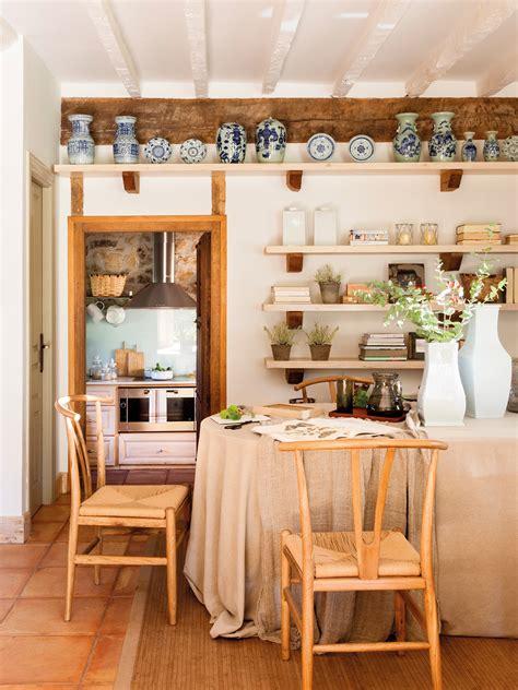 Atractiva  Planifica Tu Cocina #4: Comedor-rustico-con-estantes-con-objetos-decorativos_-00452282_d2e39da9.jpg
