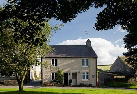 Cottages In Derbyshire Peak District by Peak District Breaks For Couples Candlelight Cottage