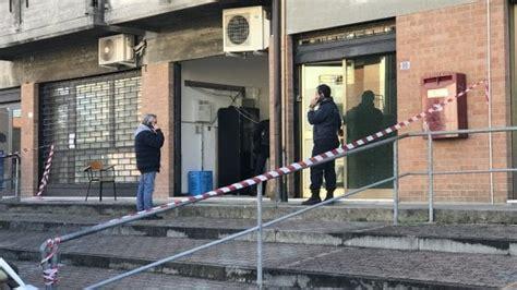 ufficio postale parma parma assaltato nella notte l ufficio postale di via