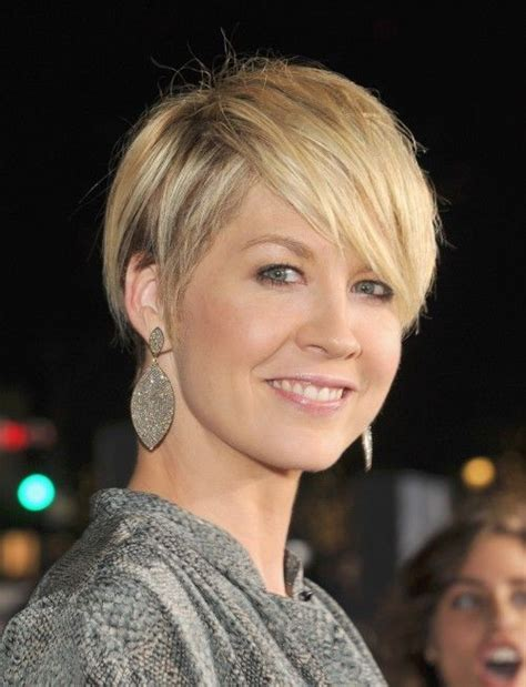 pixie cut for middle aged curly hair bing these 12 middle age beauties have enviable hair from