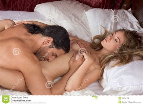 Loving Young Nude Erotic Sensual Couple In Bed Royalty Free Stock Photos Image 25784178