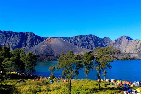 tempat wisata populer di indonesia keindahan taman nasional gunung rinjani lombok propinsi nusa