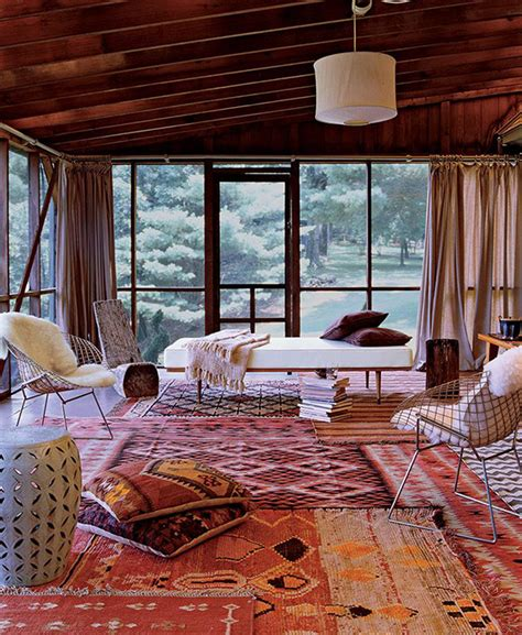 10 Rustic Spaces We From Make Mine Rustic How To Create A Cozy Rustic Space Rugs