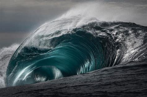 ray collins captures waves  youve     twistedsifter