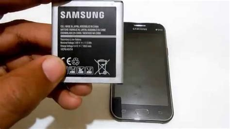 how to insert battery on samsung galaxy j1 smartphone