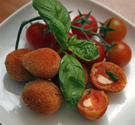 cucinare i pomodori pomodori ripieni fritti