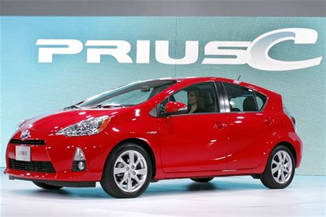 Best Budget Hybrid Car cheapism the best budget hybrid cars
