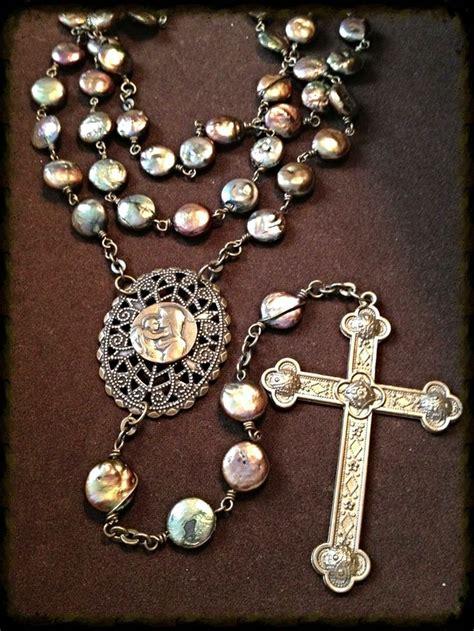 rosary bead prayers best 25 rosary ideas on rosaries holy