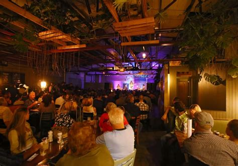 back room review carll and emily gimble at colectivo s the back room