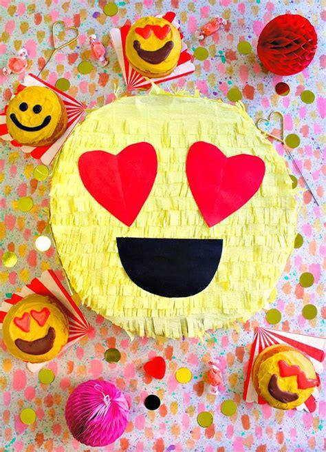 celebration emoji awesome diy emoji party ideas