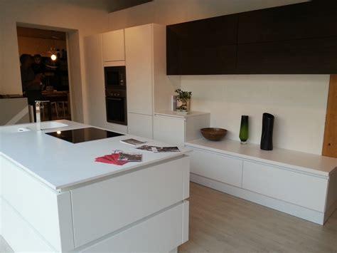 Super Cucine In Legno Con Isola #1: cucina-lube-cucine-lube-moderna-laccato-opaco-bianca_O1.jpg